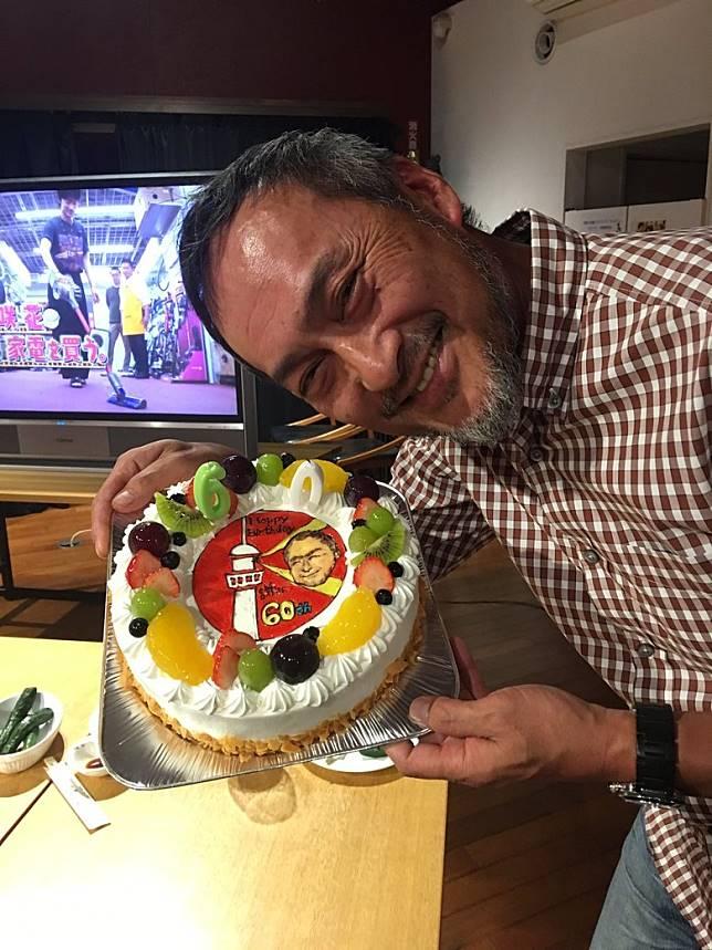渡邊謙去年正式「登六」,慶祝60歲大壽。
