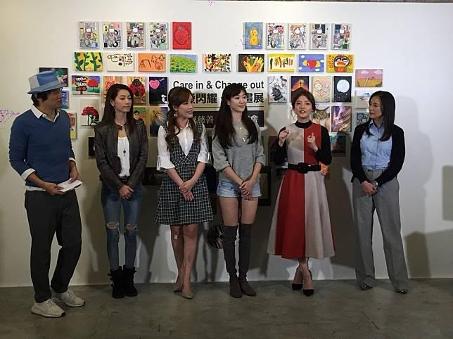 張本渝(右起)、王樂妍、許蓁蓁、劉涵竹、林韋君、張洛君出席「讓愛閃耀」公益畫展。記者陳慧貞/攝影