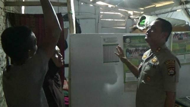 Bantuan mulai mengalir untuk Nining, guru honorer yang tinggal di toilet.