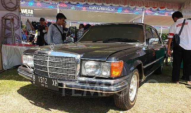 Mercy bekas Presiden Gus Dur mejeng dan siap di jual di even Jambore Nasional Mercedez Benz ke 14 yang dihelat di Yogya 6-8 Desember 2019. Tempo/Pribadi Wicaksono