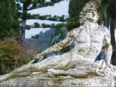 Kematian Tragis Akhilles di Medan Perang