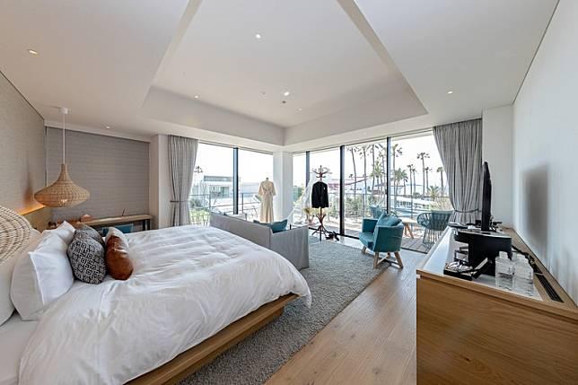 2樓設有Palm Tree Suite,當中零零舍舍有一間Palm Tree Corner Suite,可享受兩面採光。(互聯網)