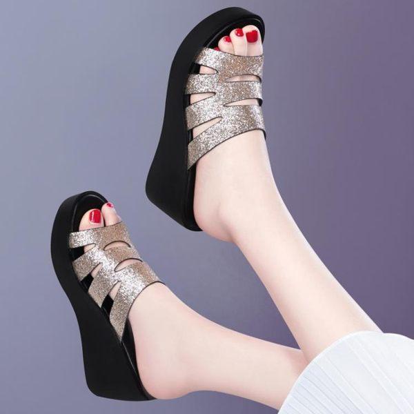 厚底拖鞋 坡跟高跟拖鞋女夏季2019新款厚底時尚外穿百搭配裙子的網紅涼拖鞋 免運