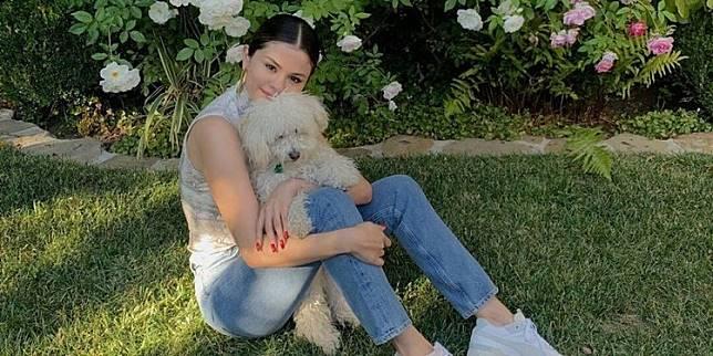 Selena Gomez Bahas Pengalaman Menjadi Korban Body Shaming
