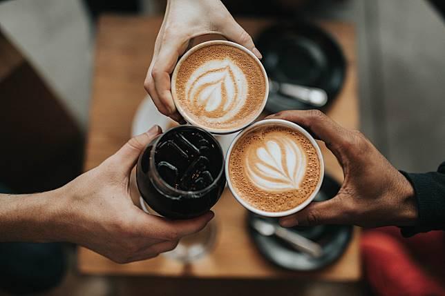 ▲營養師林世航解惑,每日約 1 至 3 杯咖啡是安全範圍。(示意圖/取自 Unsplash )