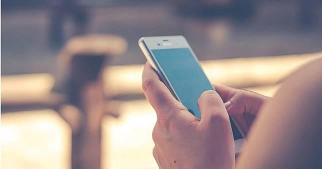 反擊「佔頻寬大戶」 中華電信恐收取超量使用費及求償