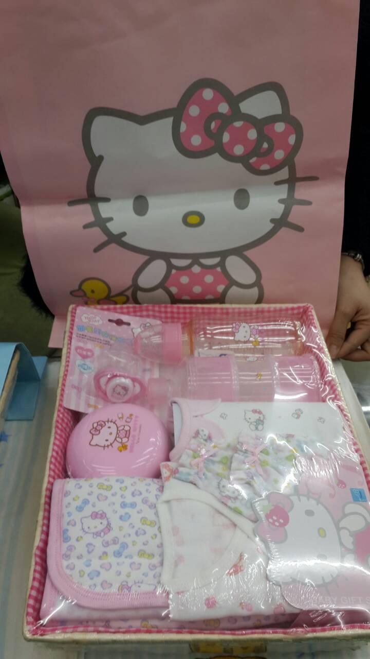 永大醫療~kitty彌月禮盒8件嬰兒禮盒 新生兒 玻璃奶瓶 純棉衣服套裝 滿月禮盒 (附精美提袋)1050元