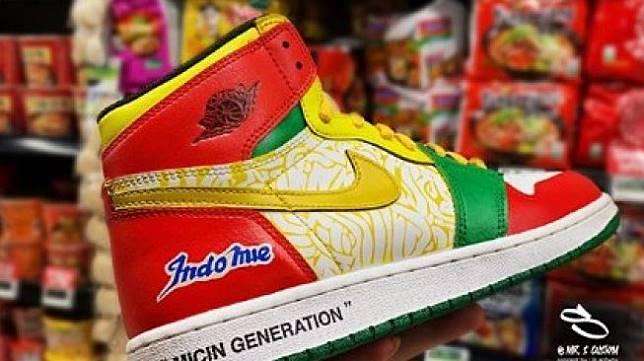 Sepatu Indomie. (Instagram/@mrs.s.custom)