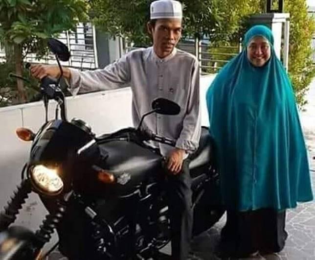 UAS dan Istri Dikabarkan Cerai, Begini Jawaban Mellya Juniarti