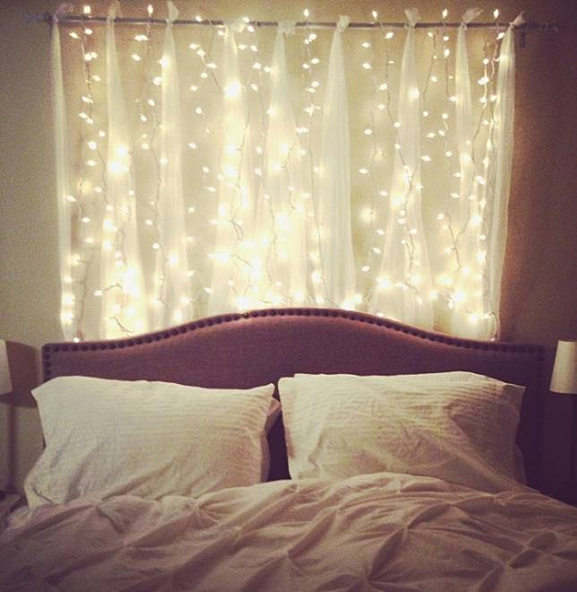 10 Inspirasi Desain Kamar Tidur Romantis Dengan Lampu Tumblr Untuk
