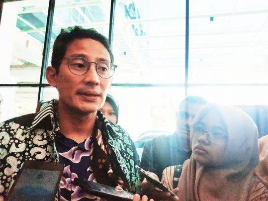 Sandiaga Uno mempercayakan kepada Erick Tohir dalam memilih para pejabat BUMN.