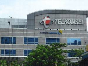 Denny Siregar Menggugat Telkomsel