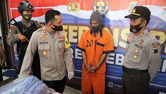 Guru tari di Kebumen ditangkap lantaran diduga mencabuli muridnya. (Foto: Liputan6.com/Polres Kebumen)
