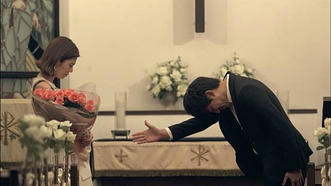 日式唯美的畫報風拍攝手法亦相當賞心悅目。