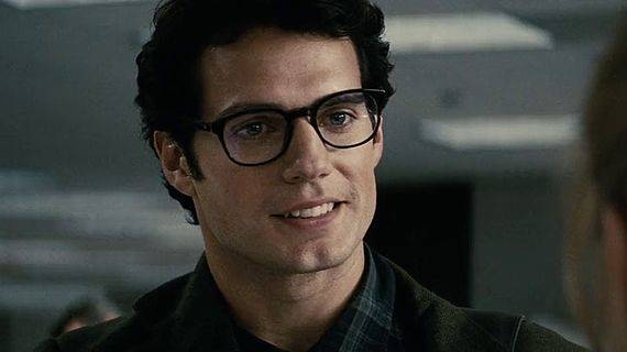 Inilah 4 Alasan Kenapa Seseorang yang Pakai Kacamata Terlihat Lebih ... 5aaf286081