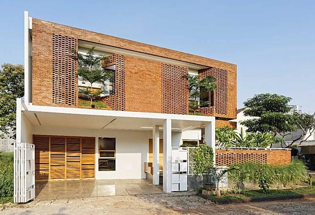 Desain Rumah Minimalis Dapur Di Depan  arsitektur rumah minimalis dengan permainan batu bata super