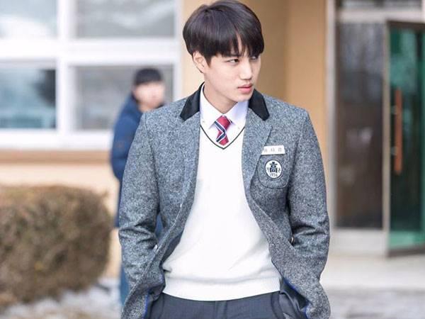 Berperan sebagai siswa, Kai EXO sukses rebut hati para penggemar (dok. KBS)