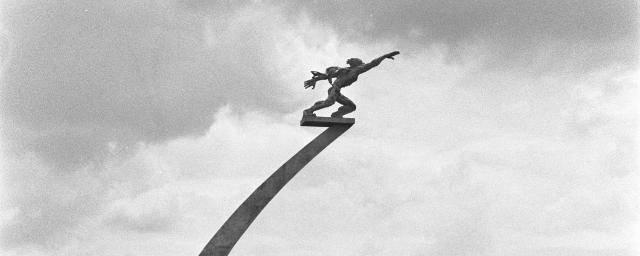 Patung Pancoran Sukarno Ingin Patung Terbang