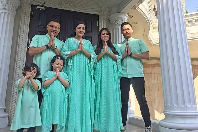 Anang Hermansyah dan keluarganya (Foto: Medcom/KUmara)
