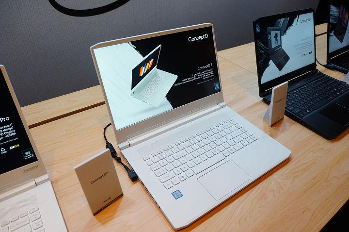 首波上市,具備時尚白色外型的 ConceptD 7。