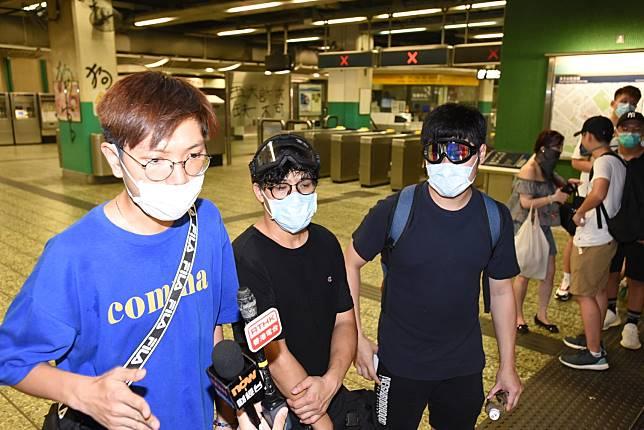 示威者指報案期間被警員刁難。
