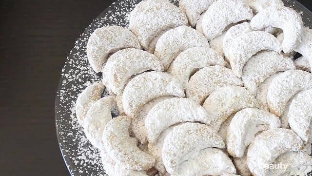 Lezatnya Kue Putri Salju, Makanan Khas Lebaran Selain Nastar