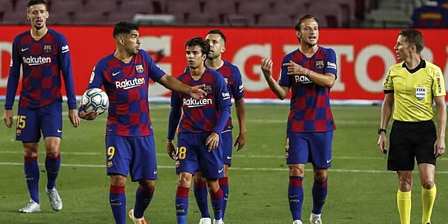 Pemain Barcelona pada laga melawan Atletico Madrid di Camp Nou, Rabu (1/7/2020) dini hari WIB (c) AP Photo
