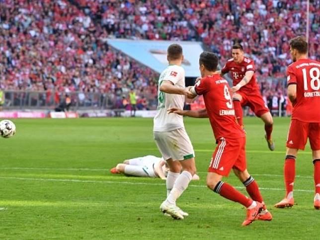 拜仁慕尼黑憑歷卡斯蘇尼禁區外遠射,奠定勝局。(法新社)