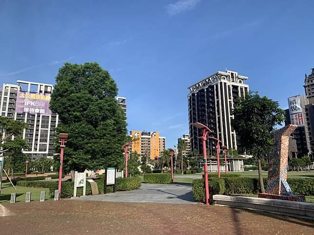 ▲桃園中路重劃區為近期推案重鎮,受買方青睞,新大樓的房價具支撐力。(圖/信義房屋)