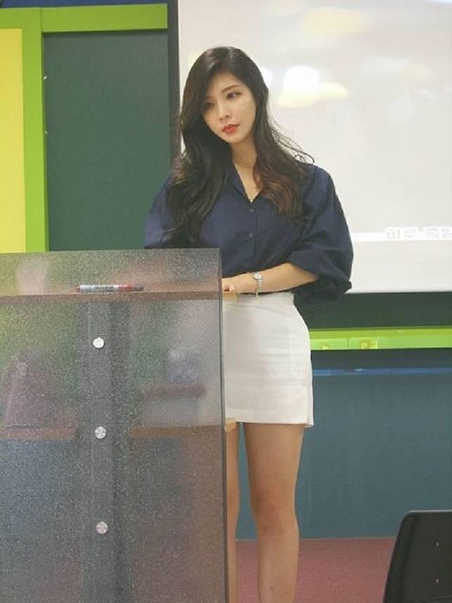 Viral Dosen Di Korea Selatan Yang Cantiknya Seperti Model