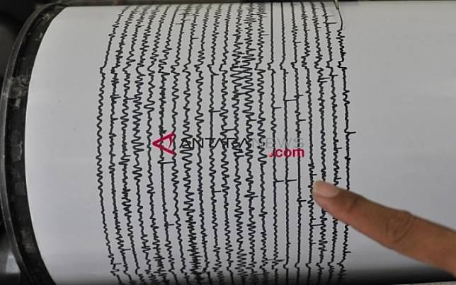 Ilustrasi seismograf. Alat ini merupakat perangkat yang mengukur dan mencatat gempa bumi./Antara
