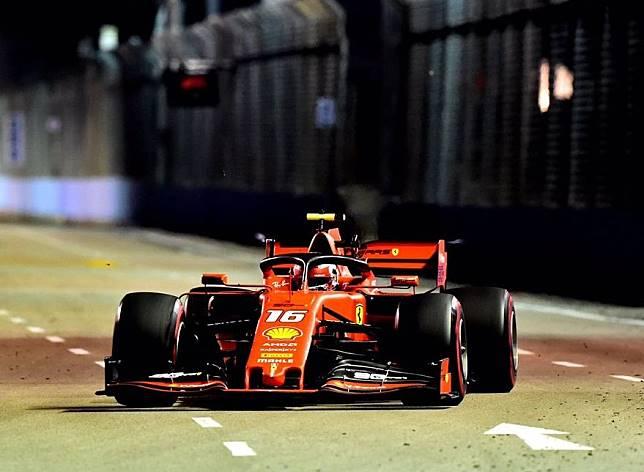 Charles Leclerc menjadi yang tercepat, Sementara Lewis Hamilton Kalah tipis di posisi kedua, berikut Hasil FP3 F1 Singapura 2019