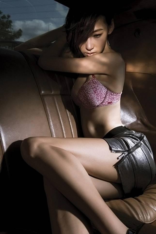 陸瑤影嘅相都好性感。(圖:GQ雜誌)