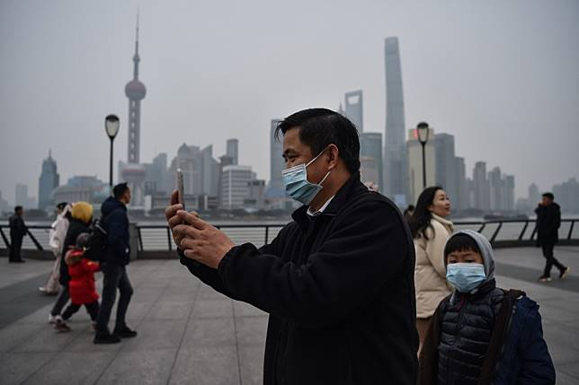 Wuhan coronavirus outbreak could be a 'black swan' that hurts retail sales, tourism in mainland China as Lunar New Year travel ramps up