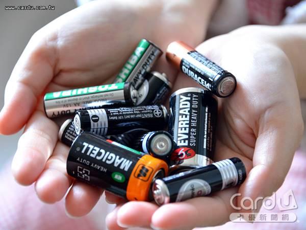 4/29~5/12持廢乾電池至7-11及全家便利商店門市回收,每0.5公斤加碼折抵當次消費11元(圖/卡優新聞網)