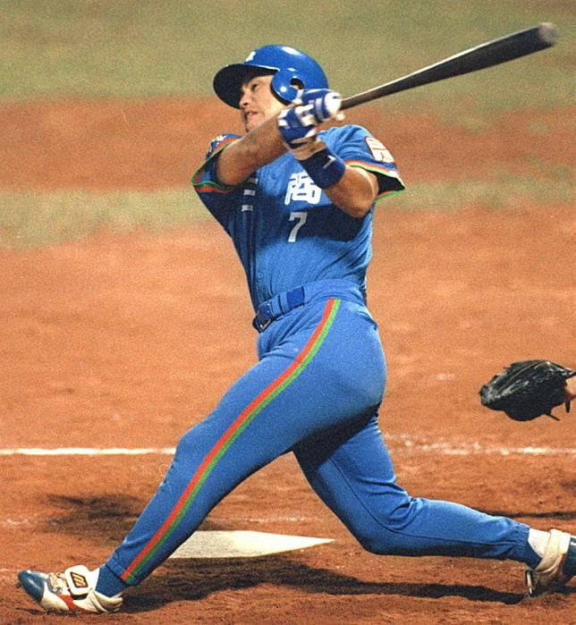 三商虎隊外野手沈俊忠生涯只有3轟,但第二轟卻是具紀念性的中職第2千轟。