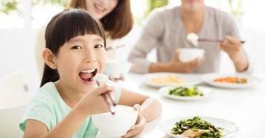 從一雙筷子看出孩子的家教?說得真準!