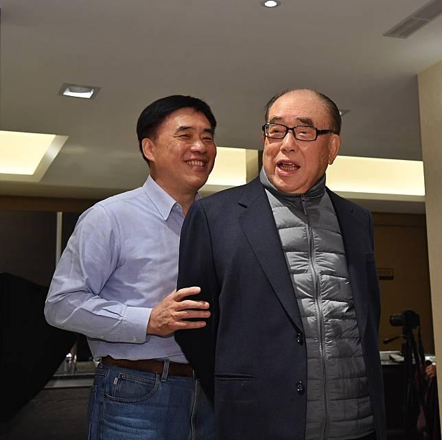 郝龍斌與郝柏村(照片來源中央社)