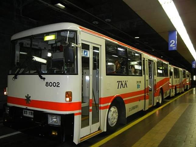 在大觀峰再轉乘立山隧道無軌電車,便到達室堂駅。(互聯網)