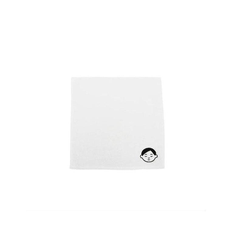 2019年8月、ZUCCaとNoritakeによるコラボレーション企畫「ねむくなる」を機に製作。ワンポイント刺繍入り。