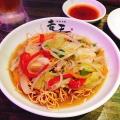 海鮮上海焼きそば - 実際訪問したユーザーが直接撮影して投稿した歌舞伎町餃子ドラゴン餃子 Ryuo 新宿店の写真のメニュー情報