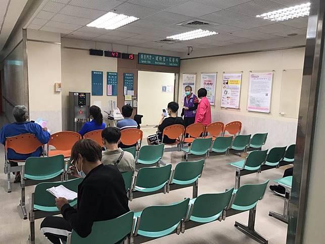 新北翁11歲男童確診仍上補習班 新北市教育局:配合中央指揮