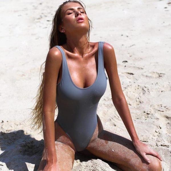 比基尼露背性感連身泳衣純色泳裝馬爾代夫泳衣【快速出貨】