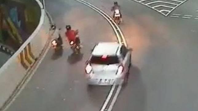Kasus kecelakaan di flyover Manahan, Solo yang tak kunjung usai. (Facebook/Putra)
