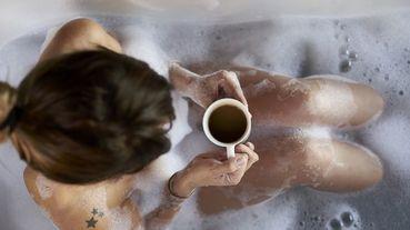 【肺炎OUT在家FUN】醫生:泡澡維持在OO度能增加免疫力,還能消水腫!享受一個人的宅家防疫時刻~