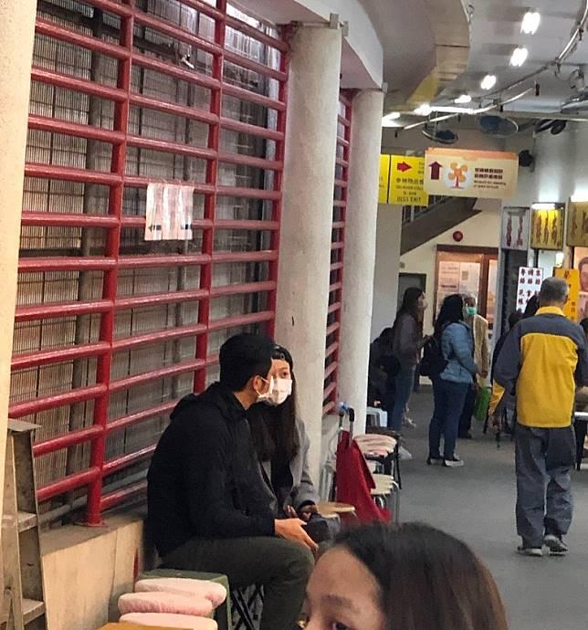 江若琳生意遇阻滯,同蕭潤邦到黃大仙求籤,尋求指引。