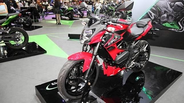 Kawasaki Ninja 250 dalam sebuah pameran di Bangkok, Thailand. [Shutterstock]