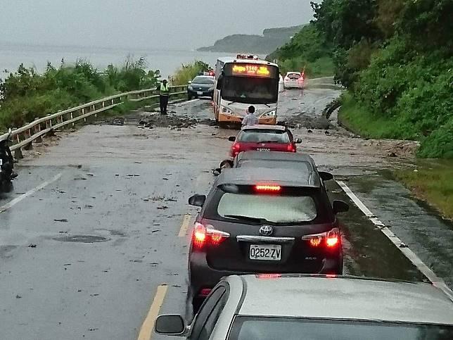 強烈雨彈侵襲花蓮 台11線50公里引發土石流