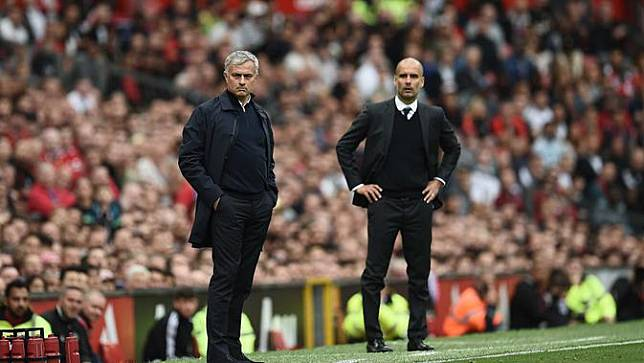 Intip Aksi Jose Mourinho dan Pep Guardiola di  Lapangan