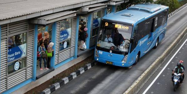 TransJakarta wajib turunkan penumpang di halte
